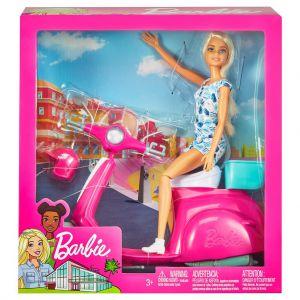 Barbie met roze scooter