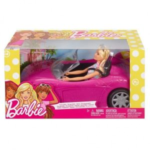 Barbie in haar cabrio